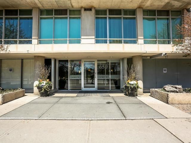 Main Photo: 502 650 W Queens Quay in Toronto: Niagara Condo for sale (Toronto C01)  : MLS®# C3484743