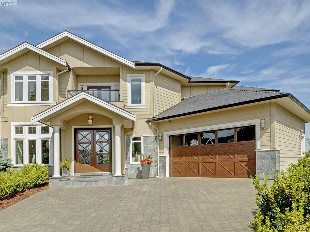 Main Photo: 1094 Bearspaw Plat in VICTORIA: La Bear Mountain House for sale (Langford)  : MLS®# 833933