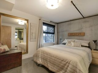 """Photo 16: 305 428 W 8TH Avenue in Vancouver: Mount Pleasant VW Condo for sale in """"XL LOFTS"""" (Vancouver West)  : MLS®# R2184000"""
