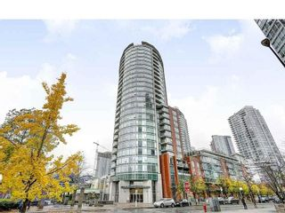 "Photo 13: 703 58 KEEFER Place in Vancouver: Downtown VW Condo for sale in ""FIRENZE"" (Vancouver West)  : MLS®# R2573050"