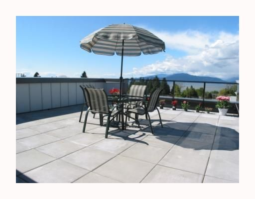 """Main Photo: PH409 5955 IONA Drive in Vancouver: University VW Condo for sale in """"FOLIO"""" (Vancouver West)  : MLS®# V645795"""