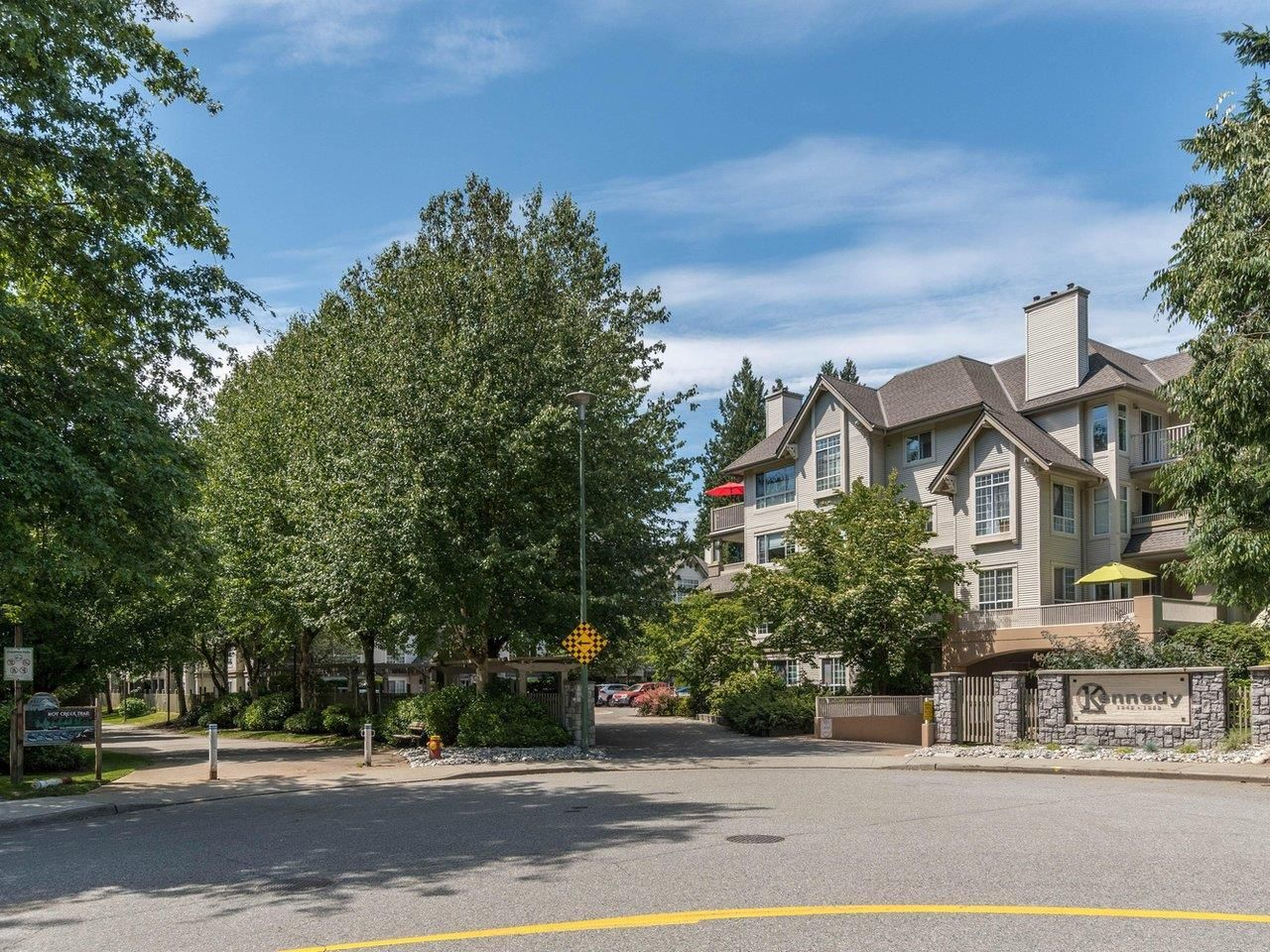 """Main Photo: 320 1252 TOWN CENTRE Boulevard in Coquitlam: Canyon Springs Condo for sale in """"The Kennedy"""" : MLS®# R2595291"""