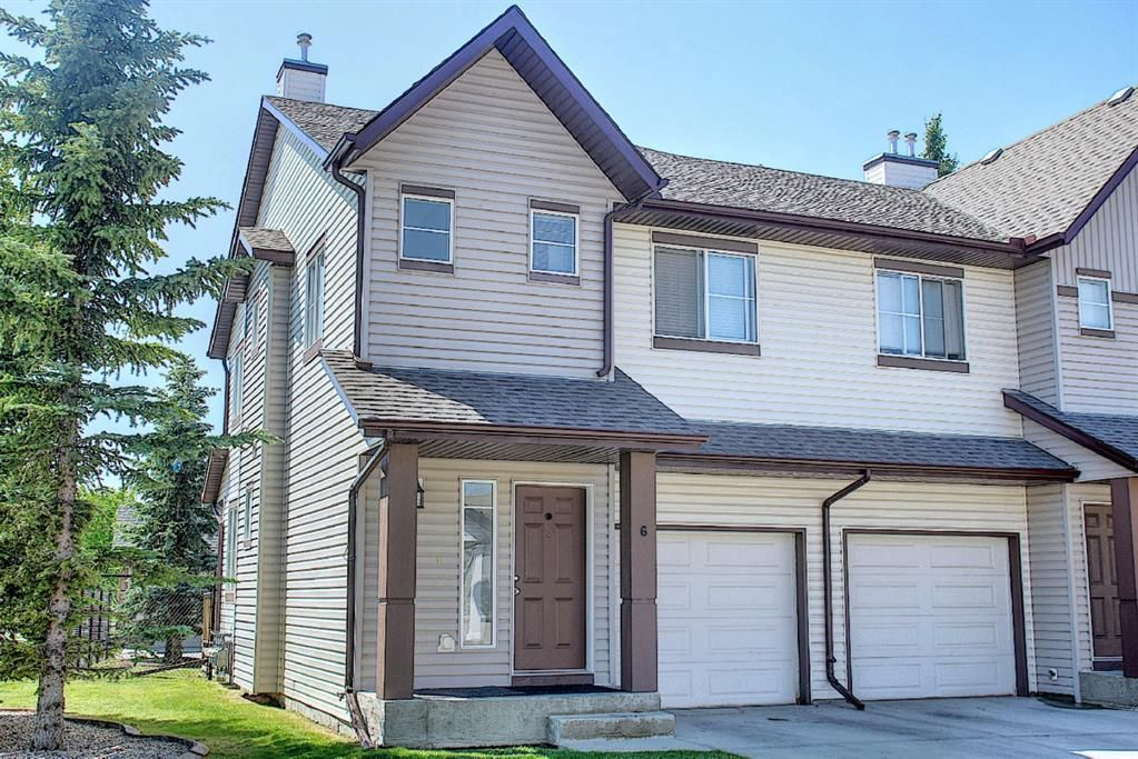 Main Photo: 6 Everridge Gardens SW in Calgary: Evergreen Row/Townhouse for sale : MLS®# A1127598