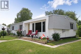 Photo 2: 165 MISSISSAUGA Place in Grand Bend: House for sale : MLS®# 40138858