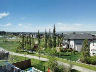 Photo 2: 189 CRESTMOUNT Drive SW in Calgary: Crestmont Detached for sale : MLS®# A1118741