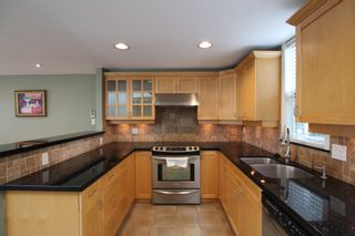 Photo 11:  in : Vancouver West Townhouse for rent : MLS®# AR102