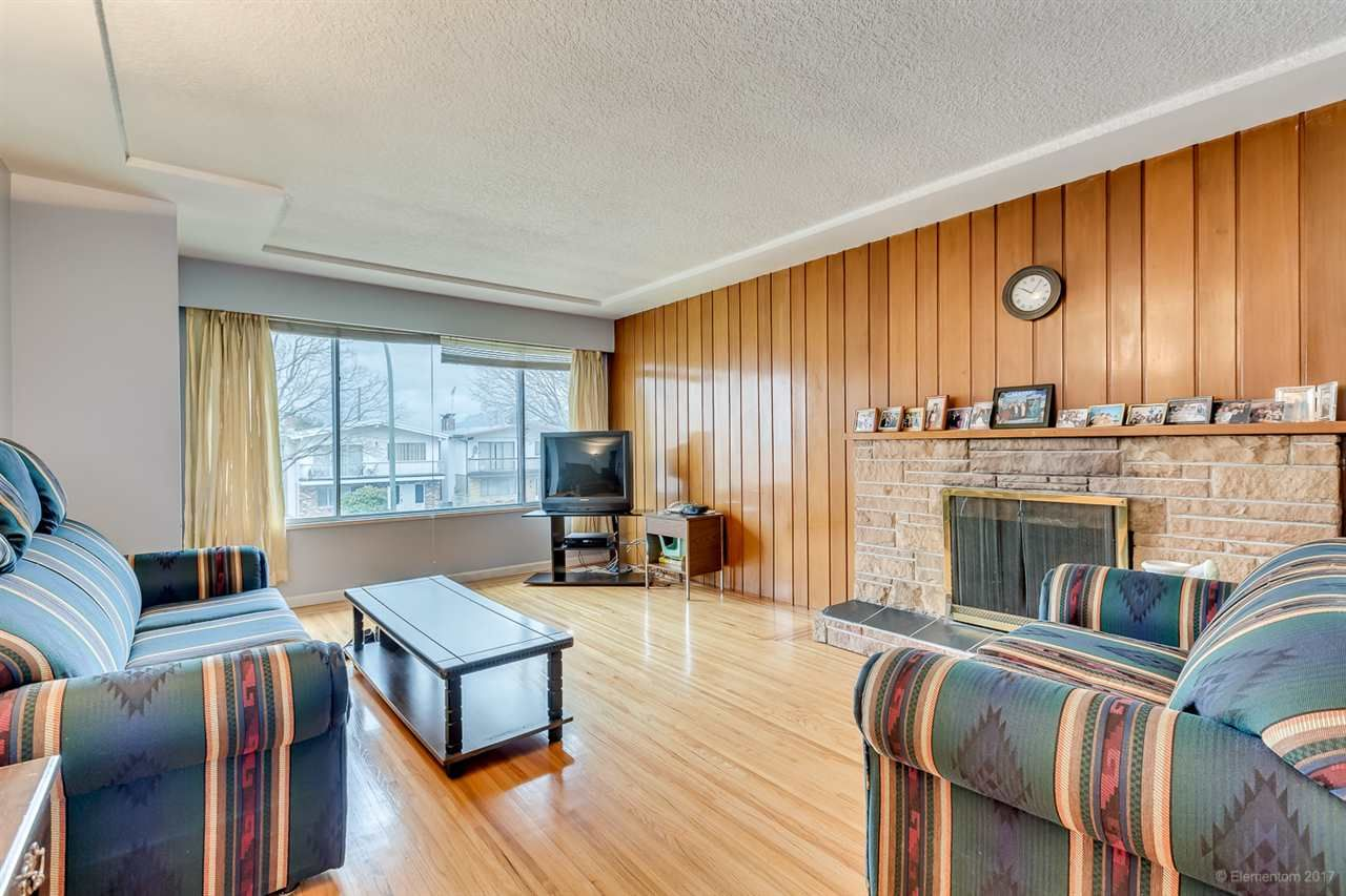 Photo 5: Photos: 2936 E 2ND Avenue in Vancouver: Renfrew VE House for sale (Vancouver East)  : MLS®# R2149102
