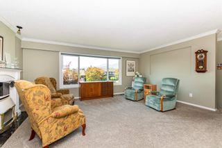 "Photo 11: 4306 YORK Street: Yarrow House for sale in ""YARROW"" : MLS®# R2599015"