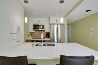 """Photo 9: 401 1406 HARWOOD Street in Vancouver: West End VW Condo for sale in """"JULIA COURT"""" (Vancouver West)  : MLS®# R2568055"""