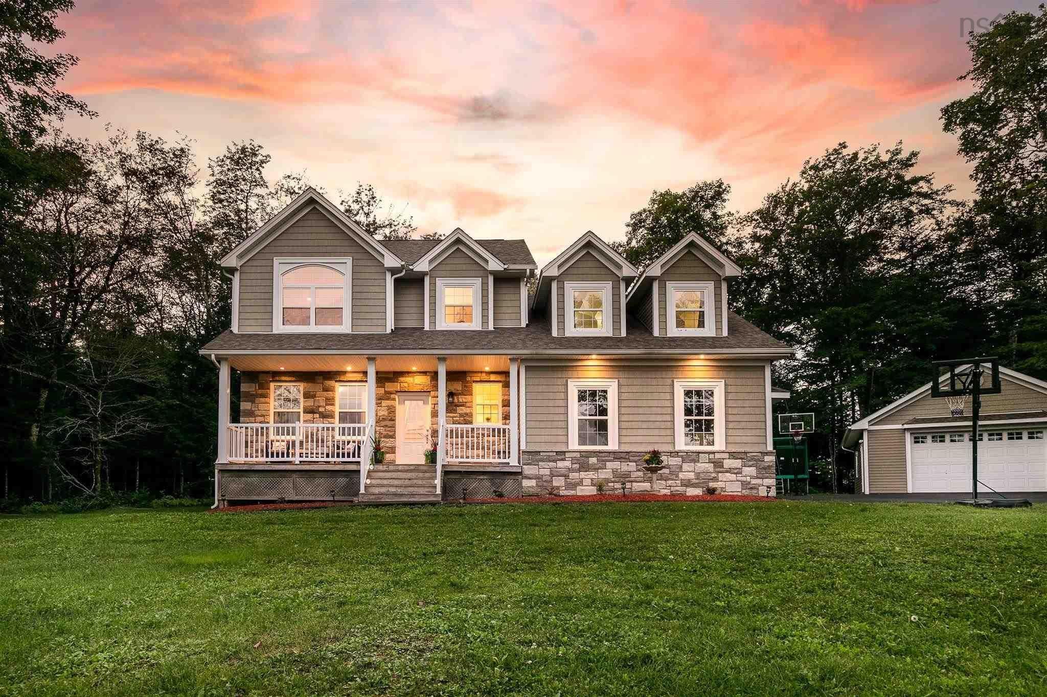 Main Photo: 280 Paula Drive in Hammonds Plains: 21-Kingswood, Haliburton Hills, Hammonds Pl. Residential for sale (Halifax-Dartmouth)  : MLS®# 202122027