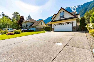 """Photo 2: 65580 DOGWOOD Drive in Hope: Hope Kawkawa Lake House for sale in """"KETTLE VALLEY STATION"""" : MLS®# R2577152"""