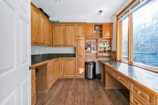 "Photo 13: 320 ROSEHILL Wynd in Delta: Pebble Hill House for sale in ""Pebble Hill"" (Tsawwassen)  : MLS®# R2429359"