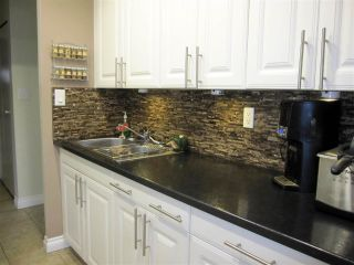 """Photo 8: 114 12096 222 Street in Maple Ridge: West Central Condo for sale in """"CANUCK PLAZA"""" : MLS®# R2119789"""