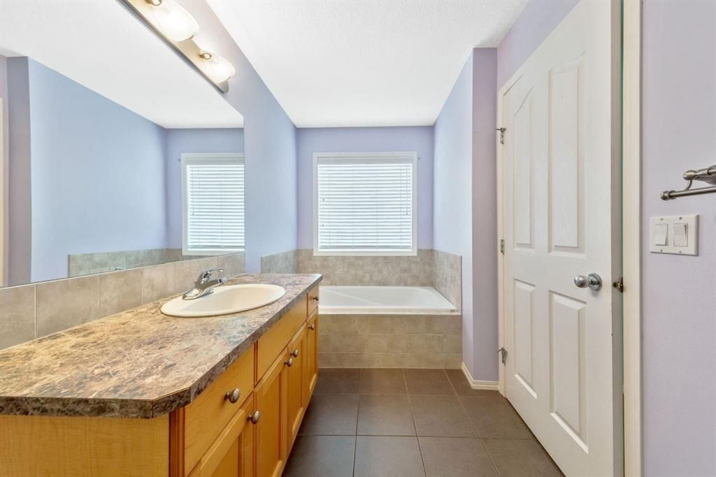 Photo 23: Photos: 53 Bridleridge Heights SW in Calgary: Bridlewood Detached for sale : MLS®# A1129360