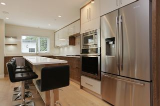 Photo 7: 231 W 19TH Street in North Vancouver: Central Lonsdale 1/2 Duplex for sale : MLS®# R2202845