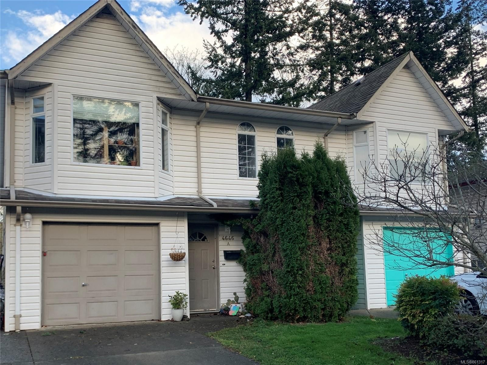 Main Photo: A 4646 Northland Pl in : CV Courtenay East Half Duplex for sale (Comox Valley)  : MLS®# 861317