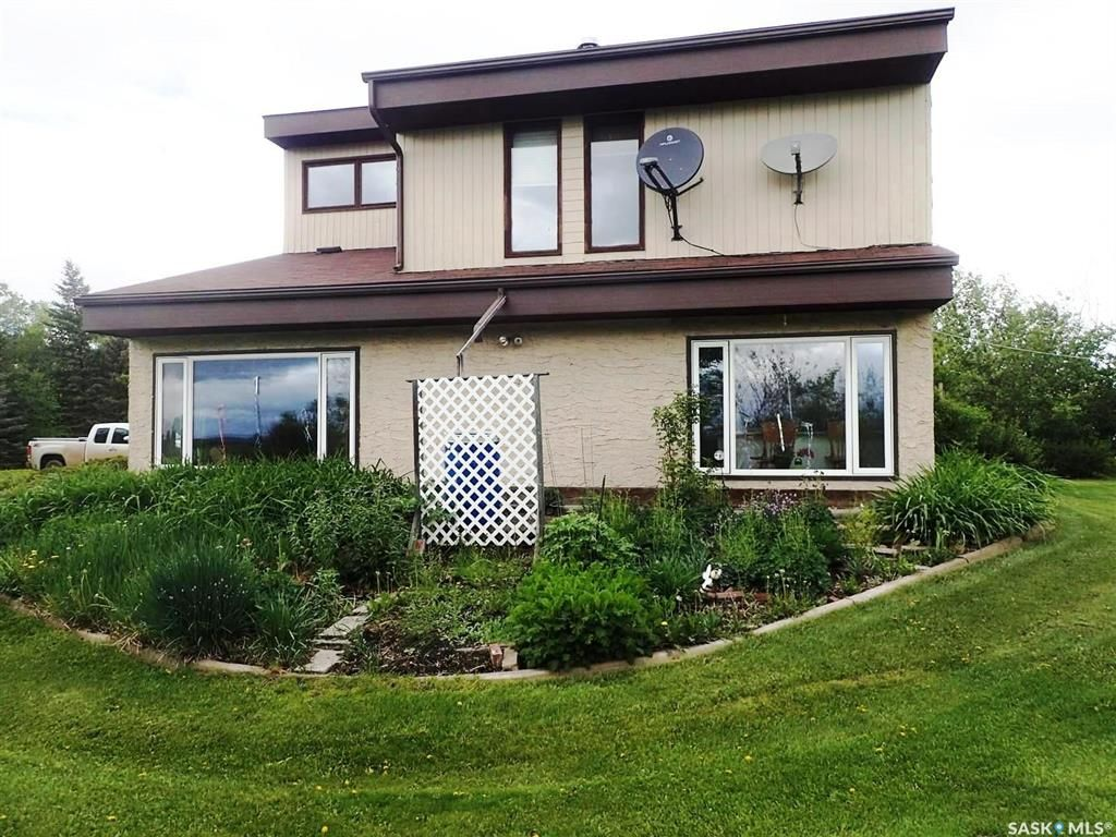 Main Photo: 10 kms SW of Meadow Lake in Meadow Lake: Residential for sale (Meadow Lake Rm No.588)  : MLS®# SK849245