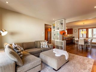 """Photo 4: 21 6125 EAGLE Drive in Whistler: Whistler Cay Heights Townhouse for sale in """"Smoketree"""" : MLS®# R2597965"""