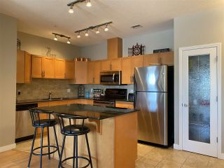 Photo 2: 302 1003 GAULT Boulevard in Edmonton: Zone 27 Condo for sale : MLS®# E4228011