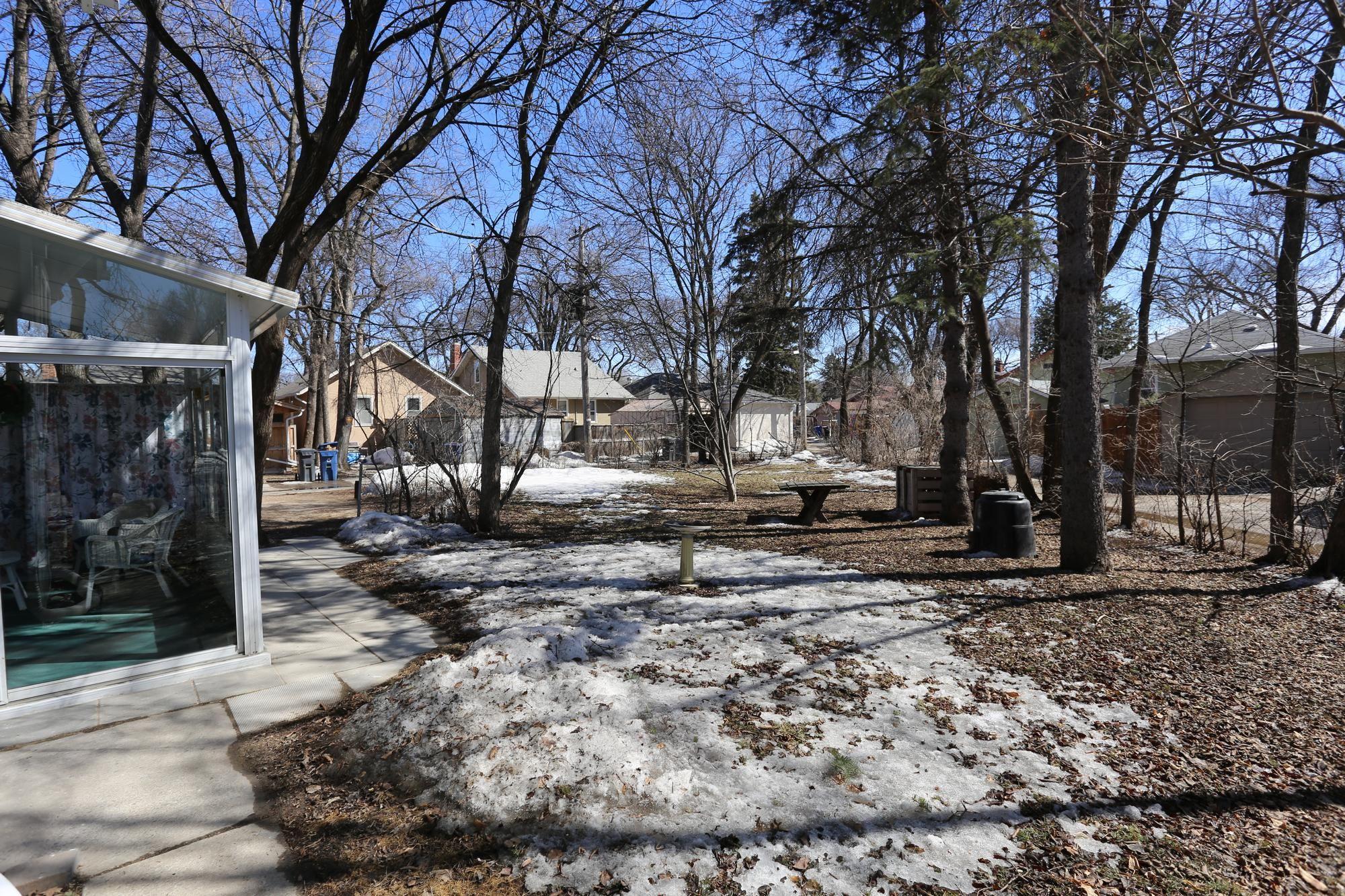 Photo 4: Photos: 109 Garfield Street South in Winnipeg: Wolseley Single Family Detached for sale (5B)  : MLS®# 1808340