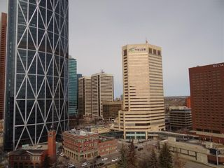 Photo 11: 1806 221 6 Avenue SE in Calgary: Downtown Commercial Core Apartment for sale : MLS®# C4239500