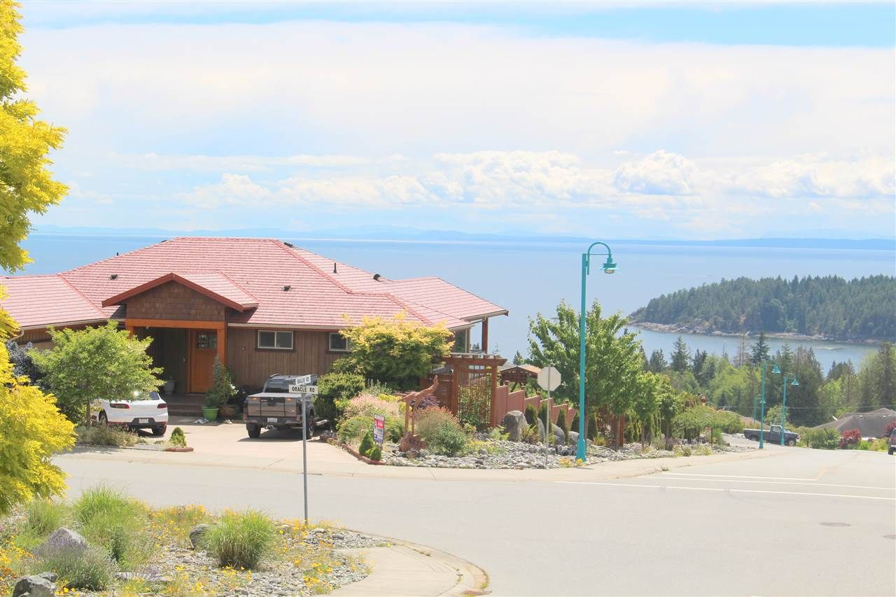 """Main Photo: 6233 ORACLE Place in Sechelt: Sechelt District House for sale in """"ORACLE HEIGHTS WEST SECHELT"""" (Sunshine Coast)  : MLS®# R2378330"""