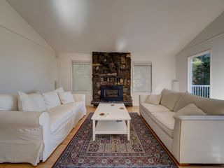 Photo 10: 304 GEORGIA Drive in Gibsons: Gibsons & Area House for sale (Sunshine Coast)  : MLS®# R2622245