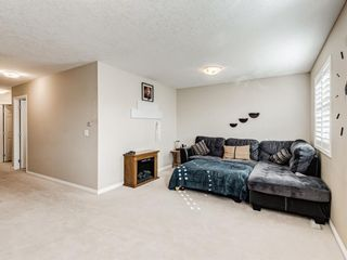 Photo 17: 332c Silvergrove Place NW in Calgary: Silver Springs Detached for sale : MLS®# A1088250