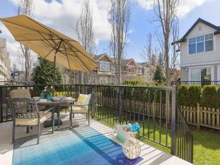 """Photo 3: 118 2450 161A Street in Surrey: Grandview Surrey Townhouse for sale in """"GLENMORE"""" (South Surrey White Rock)  : MLS®# R2357061"""