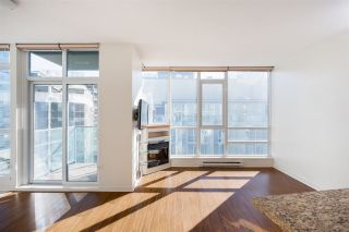 Photo 2: 1903 1189 MELVILLE STREET in Vancouver: Coal Harbour Condo for sale (Vancouver West)  : MLS®# R2354809