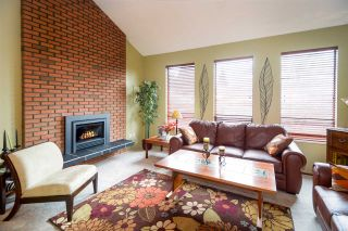 Photo 2: 3841 ULSTER Street in Port Coquitlam: Oxford Heights House for sale : MLS®# R2142329