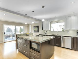 Photo 11: 167 W ST. JAMES Road in North Vancouver: Upper Lonsdale House for sale : MLS®# R2551883