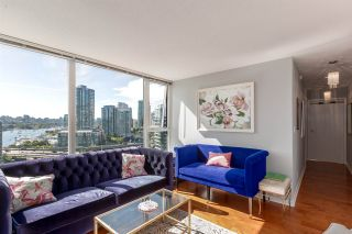 """Photo 4: 1805 33 SMITHE Street in Vancouver: Yaletown Condo for sale in """"COOPERS LOOKOUT"""" (Vancouver West)  : MLS®# R2205849"""