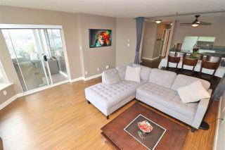 "Photo 2: 803 1065 QUAYSIDE Drive in New Westminster: Quay Condo for sale in ""Quayside Tower II"" : MLS®# R2417737"