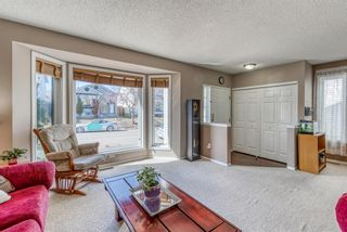 Photo 3: 23 River Rock Circle SE in Calgary: Riverbend Detached for sale : MLS®# A1089273