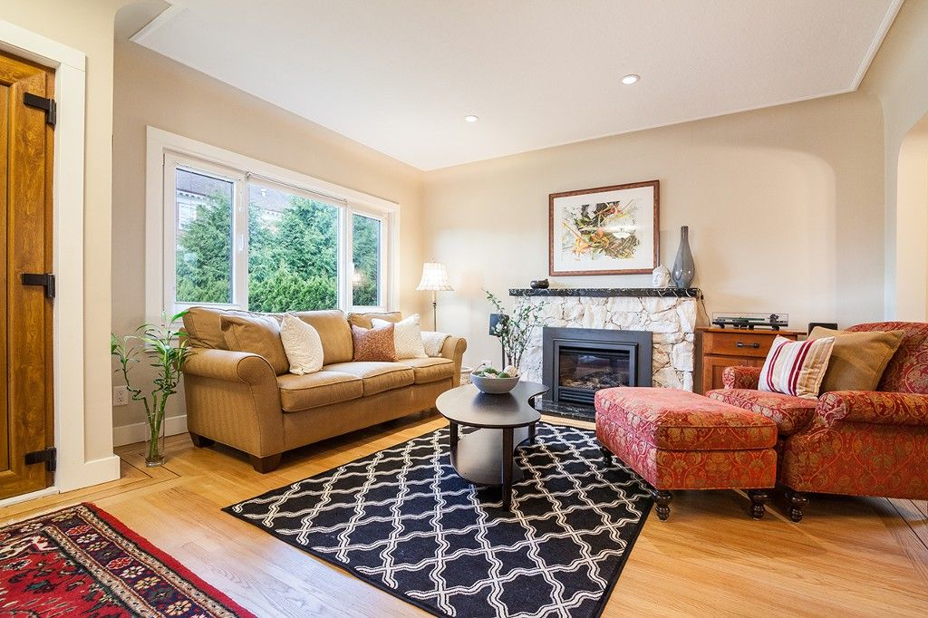 Photo 3: Photos: 48 W 27TH Avenue in Vancouver: Cambie House for sale (Vancouver West)  : MLS®# R2162142