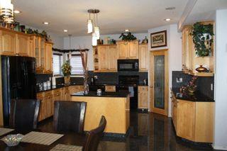 Photo 2: 13504 161 Avenue in Edmonton: Zone 27 House for sale : MLS®# E4230639