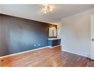 Photo 4: 6120 84 Street NW in Calgary: Silver Springs House for sale : MLS®# C4049555