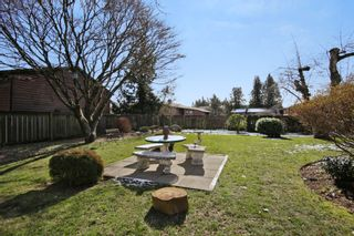 Photo 19: 2360 CRESCENT Way in Abbotsford: Central Abbotsford House for sale : MLS®# R2242278