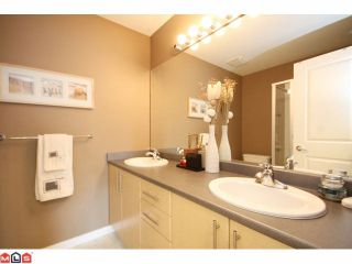 """Photo 8: 84 19250 65TH Avenue in Surrey: Clayton Townhouse for sale in """"SUNBERRY COURT"""" (Cloverdale)  : MLS®# F1012417"""