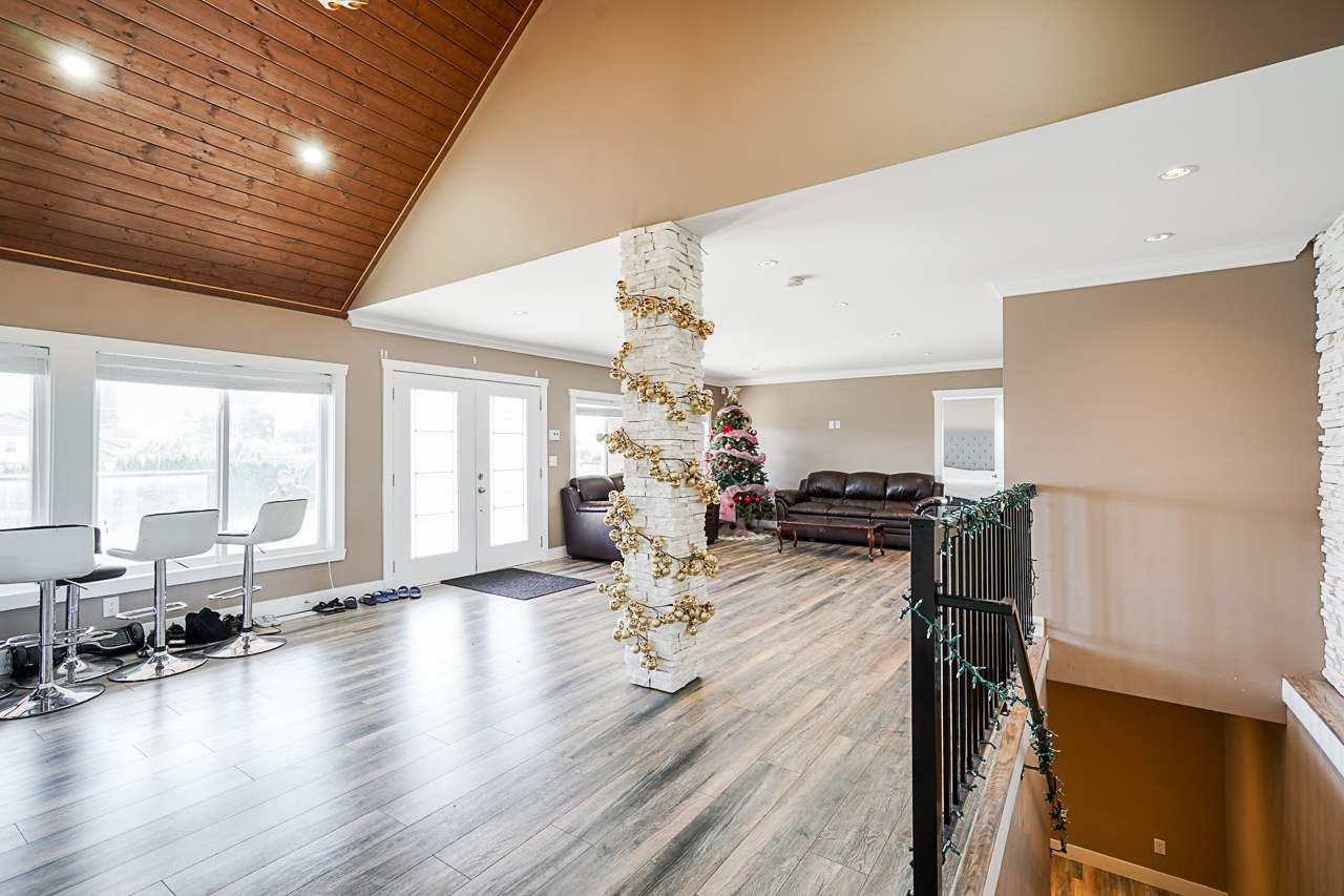 Photo 7: Photos: 1458 GLADWIN Road in Abbotsford: Poplar House for sale : MLS®# R2547303