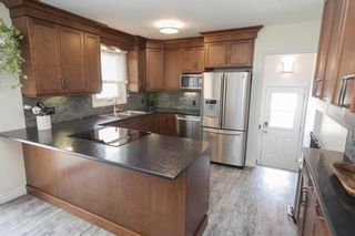Photo 10: 122 Ridley Place in Winnipeg: Crestview Residential for sale (5H)  : MLS®# 202113822