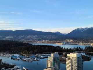 "Photo 32: 2104 1189 MELVILLE Street in Vancouver: Coal Harbour Condo for sale in ""THE MELVILLE"" (Vancouver West)  : MLS®# R2551887"