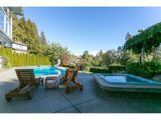 Photo 19: 12958 SOUTHRIDGE Drive in Surrey: Panorama Ridge House for sale : MLS®# R2114731