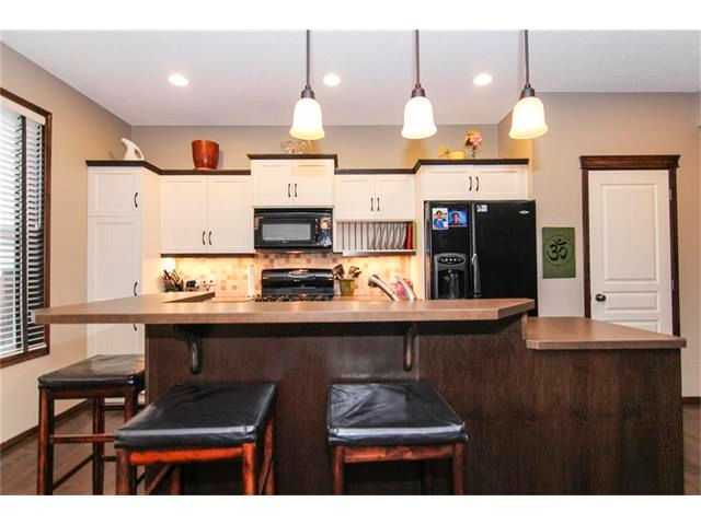 Photo 18: Photos: 202 ELGIN Rise SE in Calgary: McKenzie Towne House for sale : MLS®# C4049273