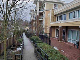 "Photo 15: 318 13883 LAUREL Drive in Surrey: Whalley Condo for sale in ""Emerald Heights"" (North Surrey)  : MLS®# R2430952"
