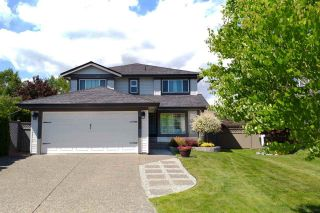 """Photo 3: 22111 45A Avenue in Langley: Murrayville House for sale in """"Murrayville"""" : MLS®# R2542874"""