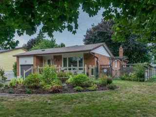 Photo 1: 22 Sir Bodwin Place in Markham: Markham Village House (Bungalow) for sale : MLS®# N3605076
