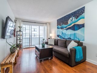 """Photo 2: 208 707 EIGHTH Street in New Westminster: Uptown NW Condo for sale in """"THE DIPLOMAT"""" : MLS®# R2625783"""