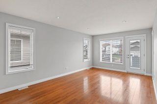 Photo 2: 6502B 47 Street: Cold Lake House Duplex for sale : MLS®# E4230391